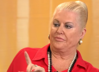 Kim Woodburn Net Worth