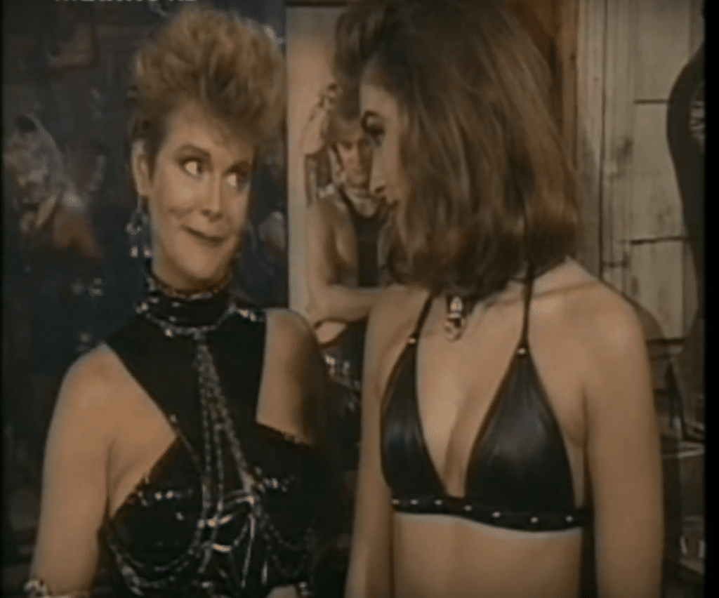 Amanda Bearse Net Worth Married With Children Lesbian