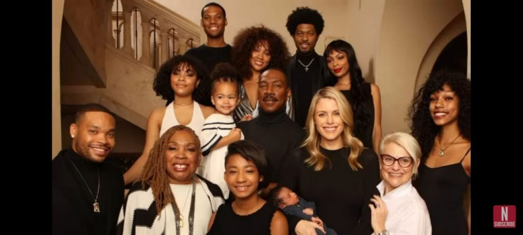 Eddie Murphy with his family